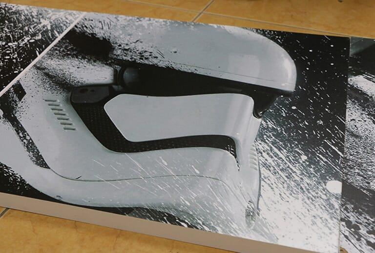 Cartelera impresa con la impresora UV de gran formato WER-G2513UV (2)