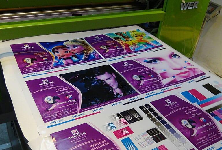 Impression-échantillon-de-vinyle-de-WER-EP6090UV-imprimante